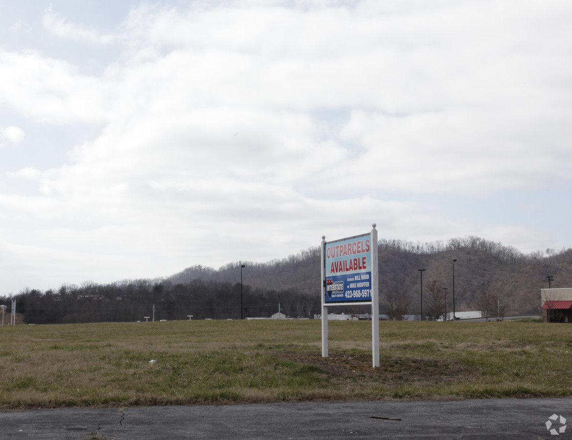 2100 Volunteer Parkway, Bristol, Tennessee 37620, ,Land,For Sale,Volunteer Parkway,1012