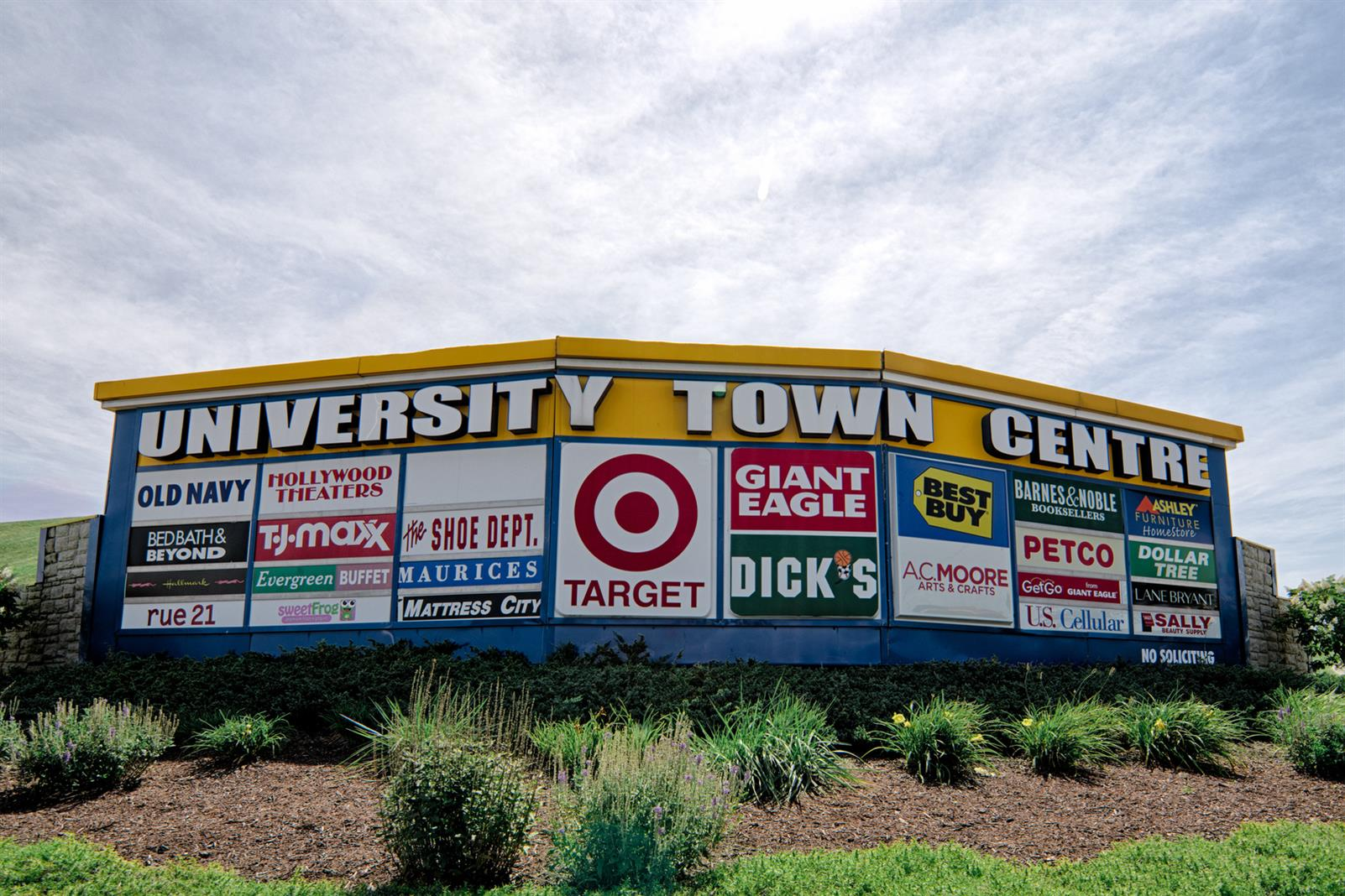 4001 University Town Center Drive, Granville, West Virginia 26501, ,Retail,For Lease,University Town Center Drive,1018