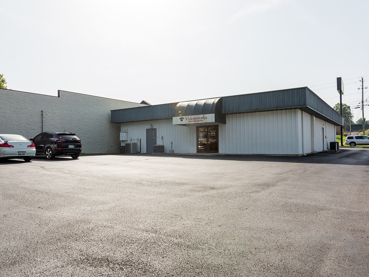 1262 Volunteer Pkwy, Bristol, Tennessee 37620, ,Office,For Sale,Volunteer Pkwy,1,1025