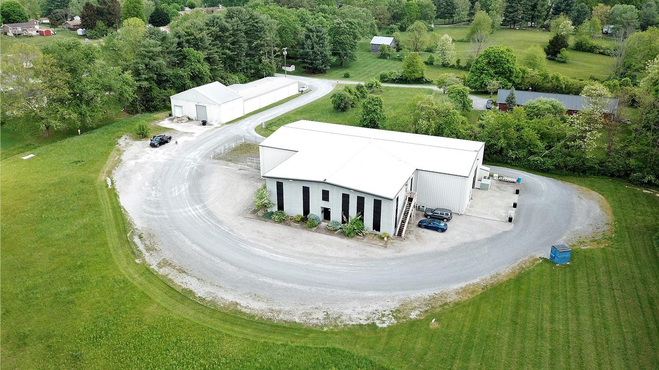351-353 Old Airport Road, Bristol, Virginia 24201, ,Office,For Sale,Old Airport Road,1041